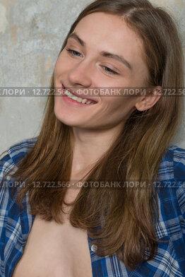 Девушка в расстегнутой рубашке видео фото 645-105