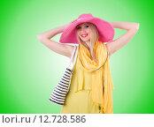 Купить «Young attractive woman ready for summer vacation», фото № 12728586, снято 1 мая 2013 г. (c) Elnur / Фотобанк Лори