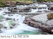 Купить «Чистая прозрачная талая в реке Рисйок, Хибины», фото № 12747574, снято 17 июля 2015 г. (c) Кекяляйнен Андрей / Фотобанк Лори