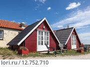 Купить «Wooden cabins on a campsite», фото № 12752710, снято 31 мая 2020 г. (c) PantherMedia / Фотобанк Лори