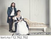 Купить «Мужчина и женщина в средневековой одежде», фото № 12762702, снято 23 августа 2015 г. (c) Darkbird77 / Фотобанк Лори