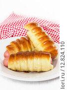 Купить «Сосиски в тесте», фото № 12824110, снято 6 октября 2015 г. (c) Наталья Осипова / Фотобанк Лори