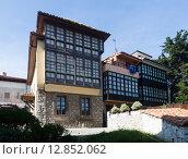 Купить «traditional asturian dwelling houses at Llanes», фото № 12852062, снято 22 июля 2019 г. (c) Яков Филимонов / Фотобанк Лори