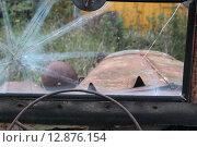 Ветровое стекло ретроавтомобиля ГАЗ-67 (2015 год). Редакционное фото, фотограф Косоуров Юрий / Фотобанк Лори