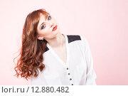 Купить «Модель с шикарными волосами и макияжем», фото № 12880482, снято 19 ноября 2018 г. (c) Efanov Aleksey / Фотобанк Лори