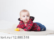 Купить «Модный малыш в клетчатой рубашке», фото № 12880518, снято 19 ноября 2018 г. (c) Efanov Aleksey / Фотобанк Лори