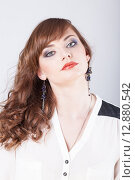 Купить «Портрет красивой девушки с ярким макияжем», фото № 12880542, снято 19 ноября 2018 г. (c) Efanov Aleksey / Фотобанк Лори