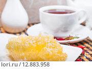 Купить «Мёд в сотах», фото № 12883958, снято 6 октября 2015 г. (c) Алёшина Оксана / Фотобанк Лори