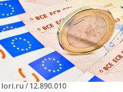 Купить «euro coin on 50-euro banknotes», фото № 12890010, снято 24 июня 2019 г. (c) PantherMedia / Фотобанк Лори