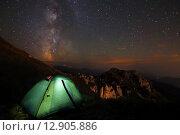 Палатка и Млечный Путь. Стоковое фото, фотограф Валера Сабанов / Фотобанк Лори