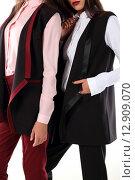 Современные модели брючных костюмов на молодых девушках. Стоковое фото, фотограф Шуба Виктория / Фотобанк Лори