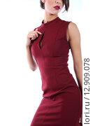 Красивое платье цвета бордо на модели. Стоковое фото, фотограф Шуба Виктория / Фотобанк Лори