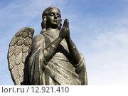 Купить «Ангел-Хранитель. Волгоград», фото № 12921410, снято 14 октября 2015 г. (c) Владимир Арсентьев / Фотобанк Лори