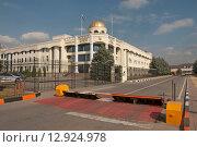 Купить «Административное здание. г. Магас, республика Ингушетия», эксклюзивное фото № 12924978, снято 3 октября 2015 г. (c) Svet / Фотобанк Лори