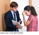 Купить «Angry man collector and scared girl», фото № 12927018, снято 5 июня 2020 г. (c) Яков Филимонов / Фотобанк Лори