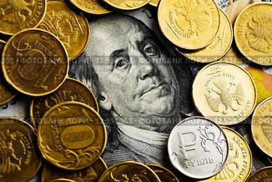 Российские рубли на долларах