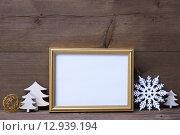Купить «Frame With White Christmas Decoration, Copy Space», фото № 12939194, снято 20 ноября 2018 г. (c) PantherMedia / Фотобанк Лори