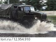 Военный автомобиль. Стоковое фото, фотограф Игорь Яковлев / Фотобанк Лори
