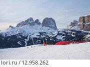 Вид на горы Langkofel. горнолыжный курорт Канацеи в Альпах. Италия (2015 год). Редакционное фото, фотограф Донцов Евгений Викторович / Фотобанк Лори