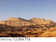 Купить «Горный пейзаж Ближнего Востока. Иран. Азия», фото № 12964718, снято 11 августа 2015 г. (c) Денис Козлов / Фотобанк Лори