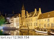 Купить «Набережная Розенхудкай вечером. Город Брюгге, Бельгия», фото № 12969154, снято 27 октября 2015 г. (c) Bala-Kate / Фотобанк Лори