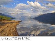 Купить «Небо в облаках над озером Собачьим на плато Путорана», фото № 12991162, снято 30 июля 2015 г. (c) Сергей Дрозд / Фотобанк Лори