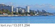 Купить «Панорама-пейзаж города Сочи с моря», фото № 13011294, снято 25 июня 2019 г. (c) Игорь Архипов / Фотобанк Лори