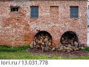 Дрова, приготовленные к колке. Стоковое фото, фотограф Виктор Колдунов / Фотобанк Лори