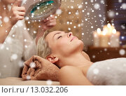 close up of young woman and beautician in spa. Стоковое фото, фотограф Syda Productions / Фотобанк Лори