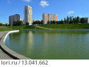 Купить «Дюссельдорфский парк. Москва», эксклюзивное фото № 13041662, снято 29 июля 2015 г. (c) lana1501 / Фотобанк Лори