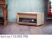Купить «retro radio», фото № 13059790, снято 20 октября 2018 г. (c) PantherMedia / Фотобанк Лори