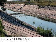 Купить «Пересохший Северо-Крымский канал у поселка Ленино,  в июле 2015 года», фото № 13062606, снято 23 июля 2015 г. (c) Aleksander Kaasik / Фотобанк Лори