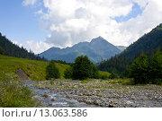 Купить «Горная река», фото № 13063586, снято 12 августа 2014 г. (c) Любецкая Марина / Фотобанк Лори
