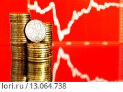 Купить «Курс казахского тенге. Монеты на красном фоне с графиком», фото № 13064738, снято 8 августа 2015 г. (c) Валерия Потапова / Фотобанк Лори
