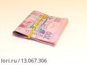 Пачка украинских денег, купюры 200 гривен. Стоковое фото, фотограф Ивашков Александр / Фотобанк Лори