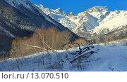 Купить «Долина Кавказских гор в начале зимы», фото № 13070510, снято 14 ноября 2015 г. (c) александр жарников / Фотобанк Лори