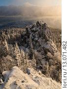 Купить «Скалы Ялангаса, укрытые снегом», фото № 13071482, снято 29 ноября 2014 г. (c) Евгений Прокофьев / Фотобанк Лори
