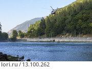 Купить «Вертолет тушит пожар в горах Кавказа», фото № 13100262, снято 7 сентября 2015 г. (c) Алексей Бок / Фотобанк Лори