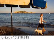 Купить «L´Estartit  Gran beach  In background Medes Islands Costa Brava  Girona province  Catalonia  Spain», фото № 13218818, снято 25 февраля 2020 г. (c) age Fotostock / Фотобанк Лори
