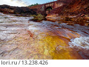 Купить «Река Rio Tinto в Испании», фото № 13238426, снято 14 октября 2015 г. (c) Liseykina / Фотобанк Лори