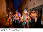 Купить «Moors and Christians, Muslim warriors, Pollensa, Sierra de Tramuntana, Majorca, Balearic Islands, Spain», фото № 13290310, снято 23 апреля 2019 г. (c) age Fotostock / Фотобанк Лори
