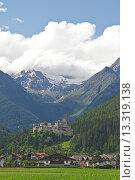 Купить «Burg Taufers _ Stammbug des gleichnamigen mächtigen Adelsgeschlechtes der Tauferer», фото № 13319138, снято 26 июня 2020 г. (c) age Fotostock / Фотобанк Лори