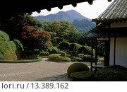 Купить «RAIKYUJI ZEN GARDEN blends raked sand, landscaping & the natures landscape in harmony _ TAKAHASHI, JAPAN», фото № 13389162, снято 20 марта 2019 г. (c) age Fotostock / Фотобанк Лори