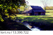 Купить «Large barn, Cades Cove, Tennessee. Cades Cove is an isolated valley located in the East Tennessee section of Great Smoky Mountains National Park. The valley...», фото № 13390722, снято 5 июля 2020 г. (c) age Fotostock / Фотобанк Лори
