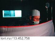 Купить «Anesthesiologist», фото № 13452758, снято 24 мая 2018 г. (c) age Fotostock / Фотобанк Лори