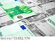 Купить «Schwarzgeld wird auf Sparkonto landen. Die Zinsen sind dann auch legal. Black money land on savings account. The interest is then also legal.», фото № 13652174, снято 9 декабря 2019 г. (c) age Fotostock / Фотобанк Лори