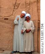 Ägypten, Edfu, Horus Tempel, Wandbilder, Einheimische. Стоковое фото, фотограф Zoonar/J Eich / age Fotostock / Фотобанк Лори