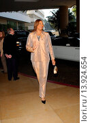 Queen Latifah at the Oscar Nominee Lunch. Beverly Hilton Hotel - Beverly Hills, California. March 10th, 2003. Photo by Patrick Rideaux/PicturePerfect. (2013 год). Редакционное фото, фотограф visual/pictureperfect / age Fotostock / Фотобанк Лори