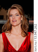 Missi Pyle at the premiere of Dodgeball. Westwood, California. June 14th, 2004. Photo by Patrick Rideaux/PicturePerfect. (2013 год). Редакционное фото, фотограф visual/pictureperfect / age Fotostock / Фотобанк Лори