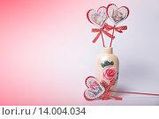 Сердечки в вазе. Стоковое фото, фотограф Артем Силионов / Фотобанк Лори